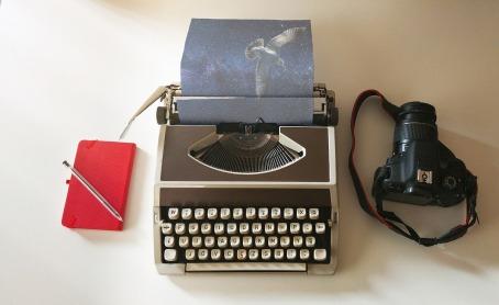 typewriter-2794560_1280