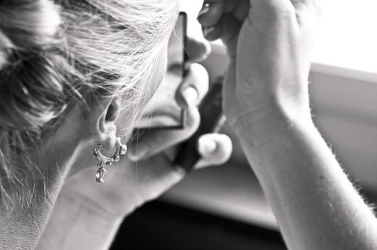 earring-2591496_640