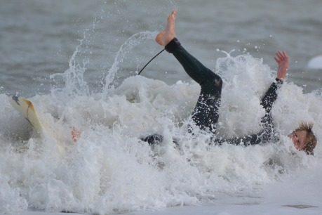 surfer-863730_640