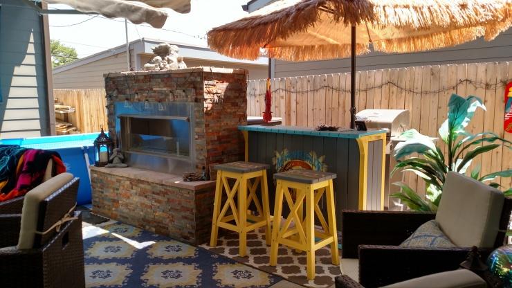 patio tiki bar