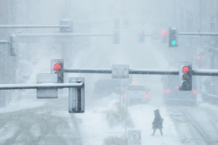 snow, bomb cyclone,