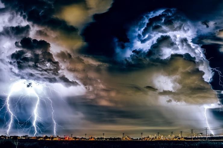 thunderstorm-1768742_1920 (1)